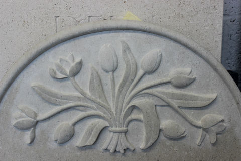 Flower symbols and meaning on headstone