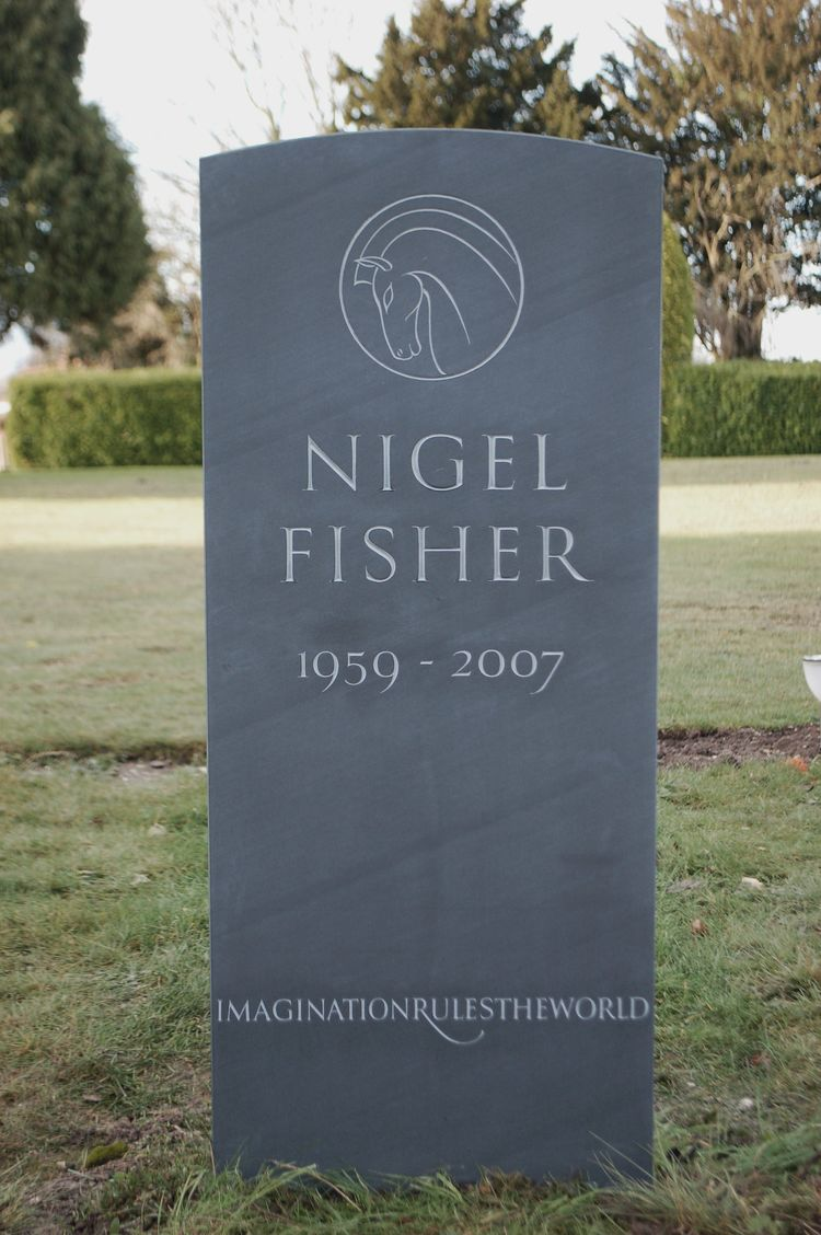 bespoke headstone with line carving of a horse