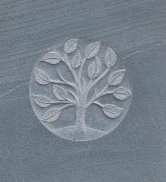 headstone symbol of tree