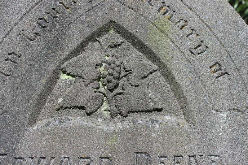 grapes as symbols on gravestones